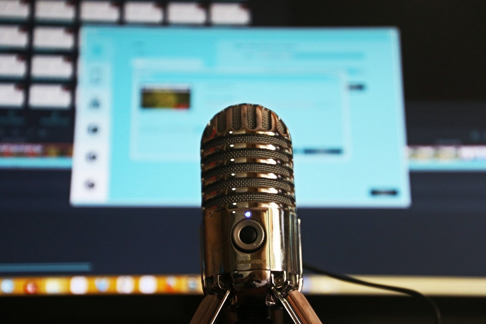 Microphone and PC screen - Video Business Ideas