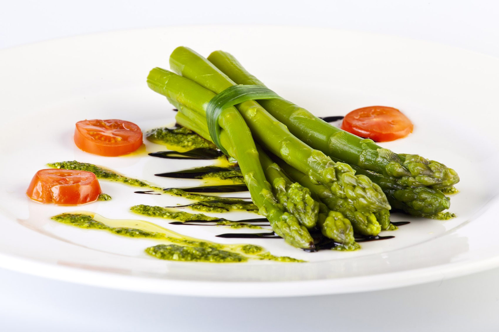 Aparagus stems with sauce - Food product photography