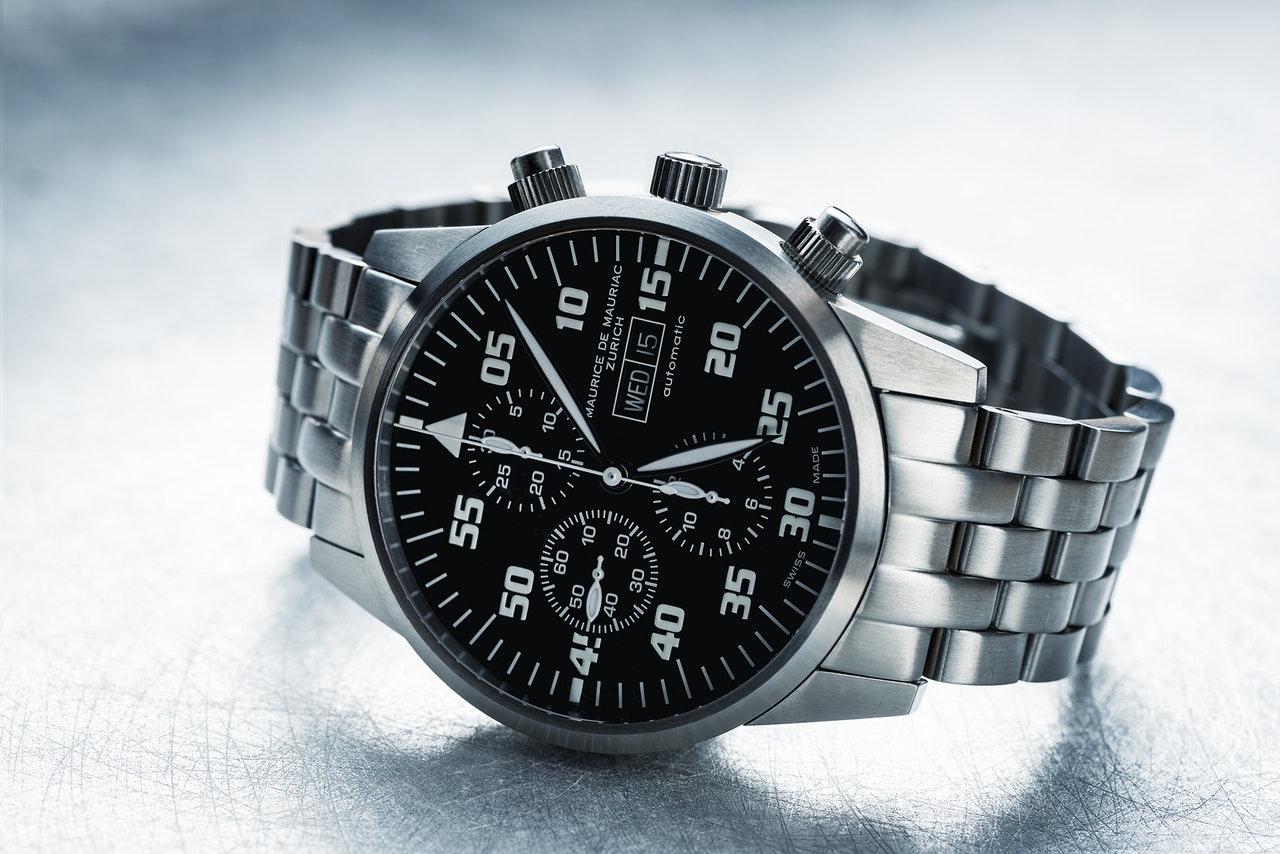 Steel bracelet watch - Product Photography Styles