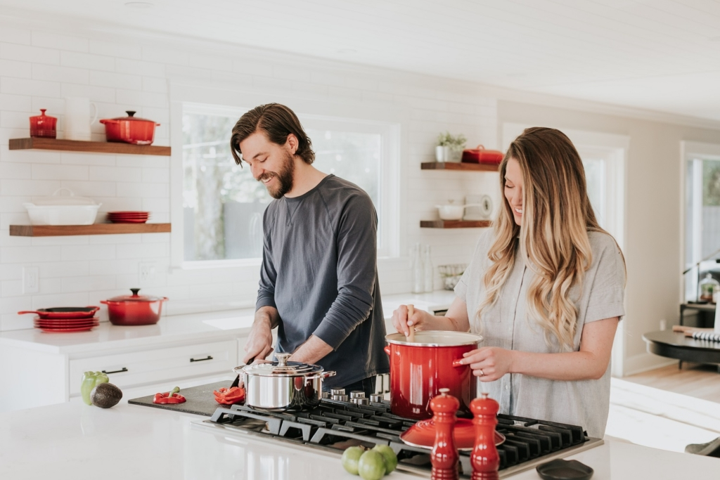 Couple cooking in a kitchen - Amazon video marketing