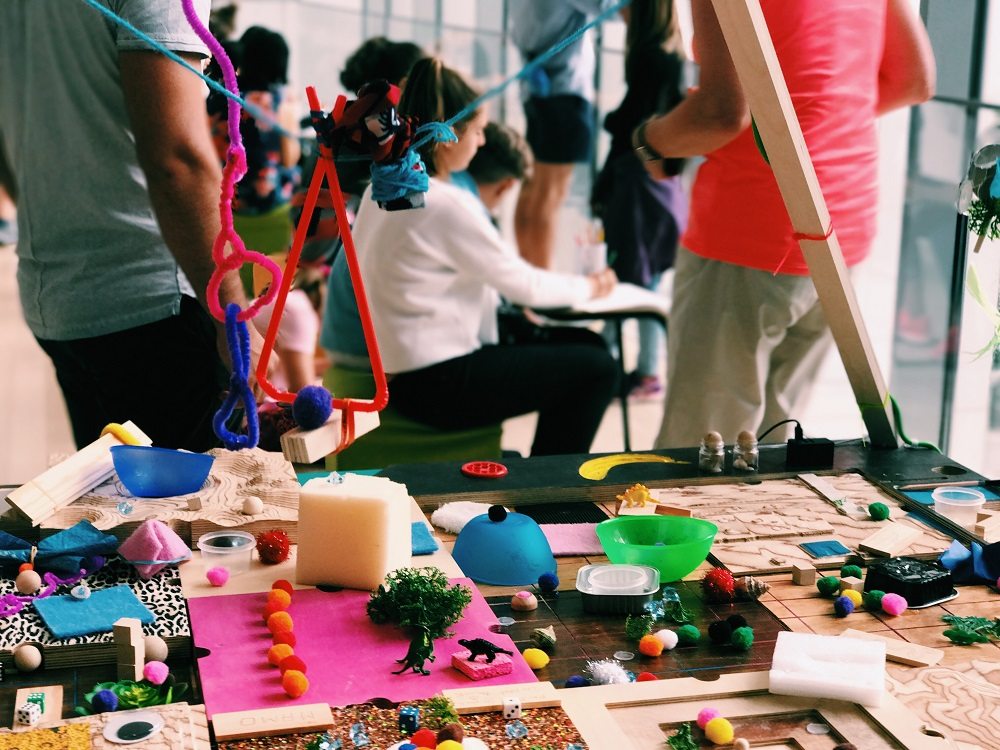 Marketing children's art clubs